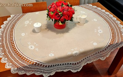 "Tablecloth with crochet lace ""Margaretki"""