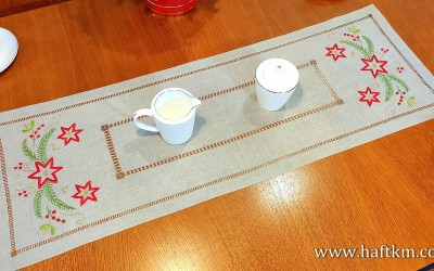 "A charming Christmas table runner ""Stars"""