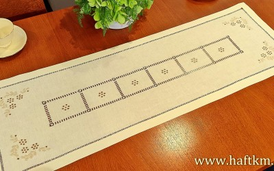 English embroidery runner