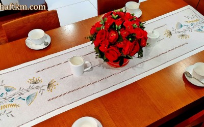 "Beautiful, hand-embroidered table runner ""Modern"""