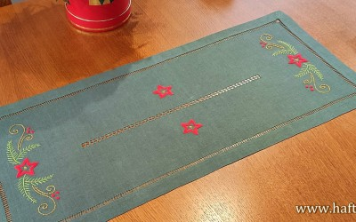 "Hand-embroidered Christmas table runner ""Stars"""